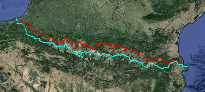 GR 10 (red) and GR 11 (blue) compared. The loop halfway along the GR11 is where I had to divert to avoid snow between Góriz and Pineta