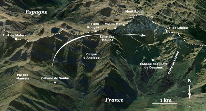 Mont Rouch estive. The arrow indicates the direction taken by the flock as in climbs up the mountain