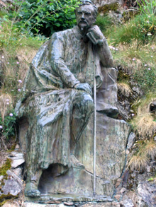 Statue of Henry Russell at Gavarnie